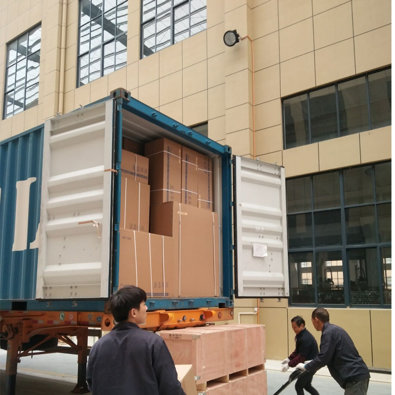 1*20GP Hybrid solar air conditioner loaded to UAE